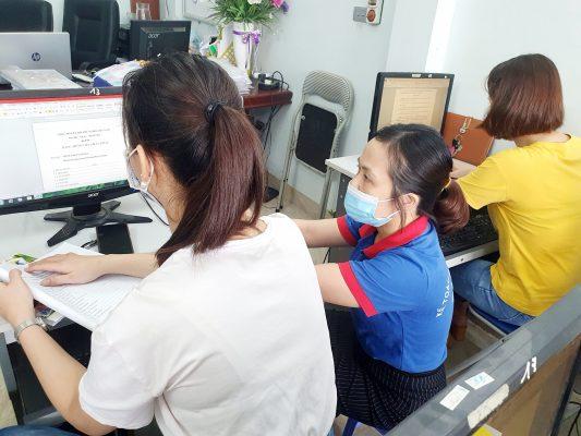 Trung tâm ATC là một trung tâm đào tạo tin học văn phòng tốt nhất tại Thanh Hóa, chuyên đào tạo các khóa học tin học văn phòng cấp tốc ở Thanh Hóa, đáp ứng được nhu cầu học tin học văn phòng ở Thanh Hóa của đông đảo học viên từ khắp các huyện thị thành phố trong toàn tỉnh. Khóa học tin học văn phòng ở Thanh Hóa được thiết kế đầy đủ, khoa học nhằm đảo bảo trang bị cho người học các kiến thức chung về máy tính, tin học văn phòng, và cách sử dụng thành thạo các công cụ tin học văn phòng như WORD, EXCEL, POWERPOINT… Trang bị kỹ năng làm việc và khai thác INTERNET một cách ạn toàn, hiệu quả nhất.